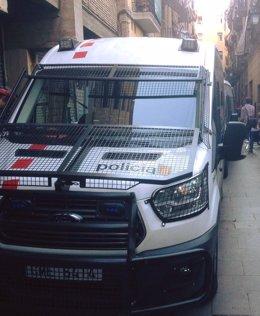 Operación de Mossos y Guardia Urbana contra el tráfico de droga en el Raval