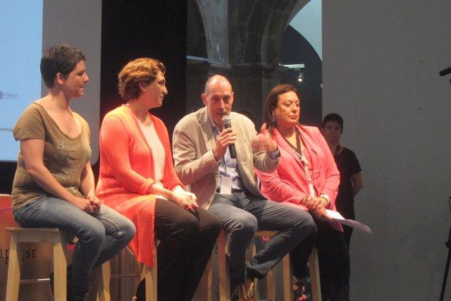 Gala Pin, Ada Colau, Joan Oliveras y Roser Torras