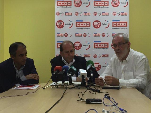 José Antonio Gómez (UGT), Fernández Leiceaga (PSdeG) y Sánchez Aguión (CC.OO.)