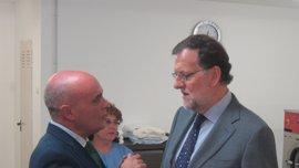 """Rajoy dice que el PP sigue siendo la primera fuerza """"con claridad"""" y va a trabajar para lograr """"más confianza"""""""