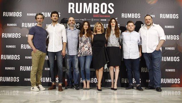 Foto de familia en la presentación de la película Rumbos