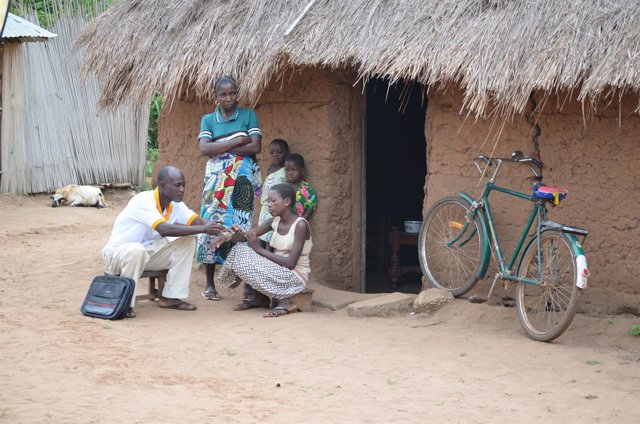 Anesvad y África. Pobreza. Asistencia sanitaria.
