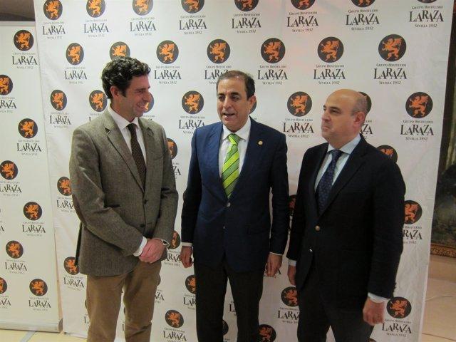 Miguel Ángel Castro, entre Pedro Sánchez-Cuerda y José Ignacio de Rojas