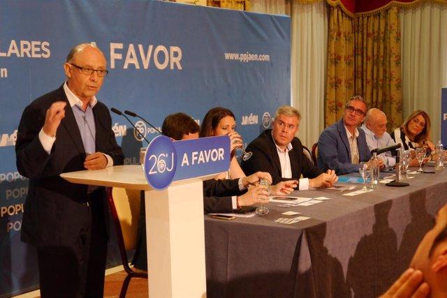 El ministro de Hacienda en funciones, Cristóbal Montoro, en Jaén