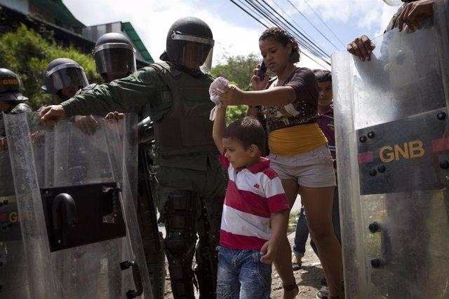Efectivos De La Guardia Nacional Bolivariana Entorno A La Prisión De El Rodeo
