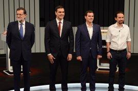 """Iglesias reclama un referéndum en Cataluña y Rajoy dice que defenderá a """"capa y espada"""" la unidad de España"""