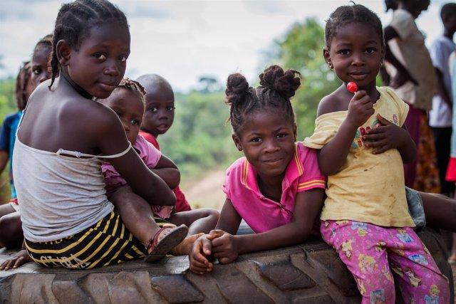 Niñas apadrinadas en Liberia
