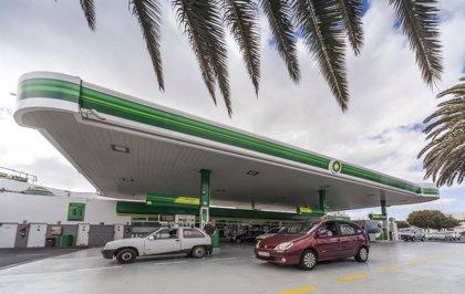 Las gasolineras de BP Canarias, las primeras en España con el certificado de Calidad Comercial de Aenor