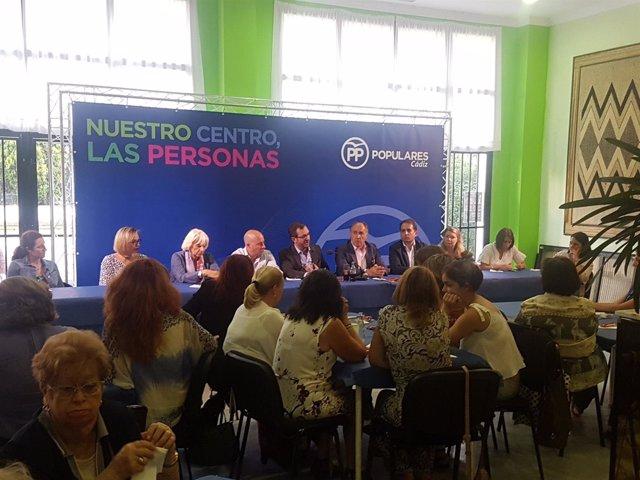 Maroto, en un acto con asociaciones de mujeres en La Línea
