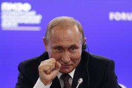 """Putin afirma que prefiere """"una Europa fuerte"""" pero evita valorar el 'Brexit'"""