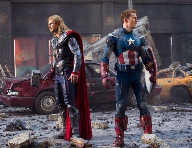 Thor y capitán América en Vengadores