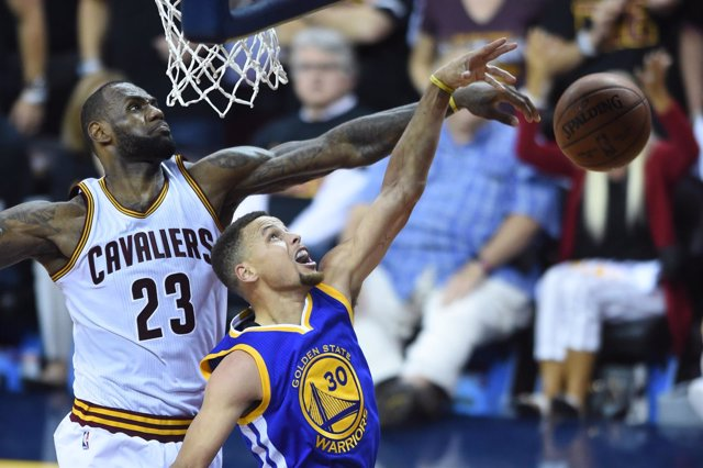 LeBron James Stephen Curry Cleveland Cavaliers Golden State Warriors NBA