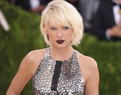Taylor Swift rinde tributo a las víctimas de Orlando