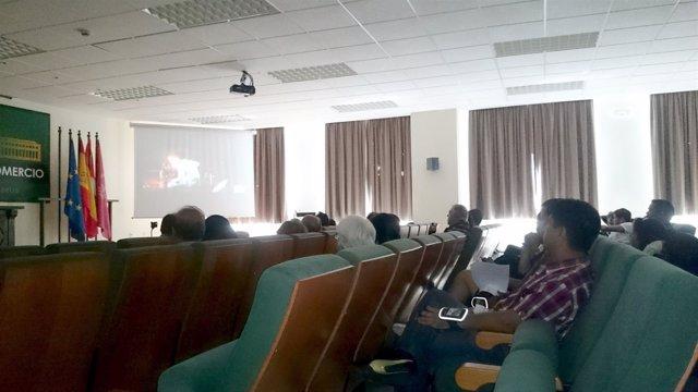 Test de una película hindú con más de 40 participantes