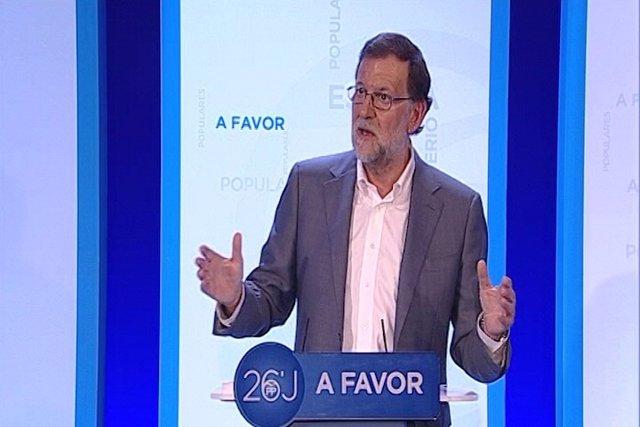 """Rajoy dice que sus encuestas son """"buenas"""""""