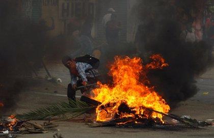 Mueren tres personas en enfrentamientos durante una protesta educativa en México