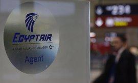 Egipto empieza los análisis de las 'cajas negras' del avión de EgyptAir siniestrado