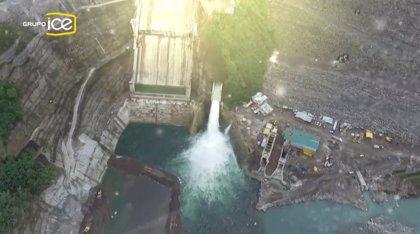 La mayor planta hidroeléctrica de Centroamérica ya funciona en Costa Rica