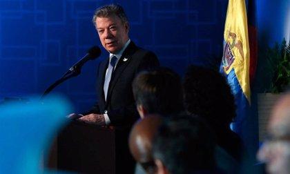 Santos advierte que habrá que subir los impuestos para financiar la guerra si no hay acuerdo con las FARC