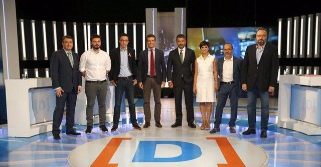 Participantes en el debate a siete