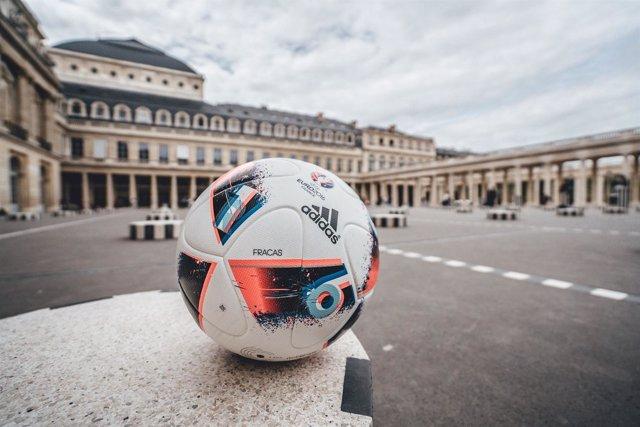 El Fracas, balón para la fase final de la Euro