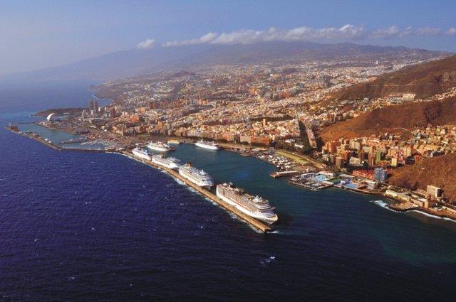 Siete cruceros en el puerto de Santa Cruz de Tenerife