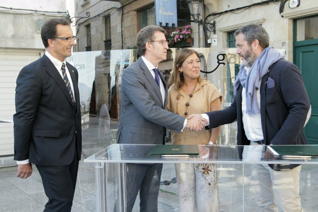 Xunta y COAG firman el convenio para elaborar la guía de colores de viviendas