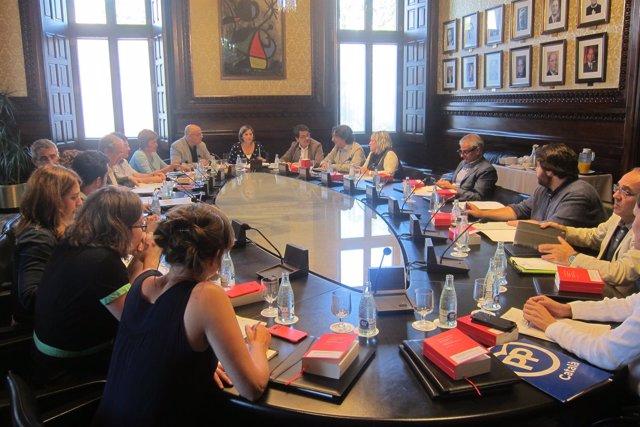Reunión de la Mesa del Parlament con la Junta de Portavoces