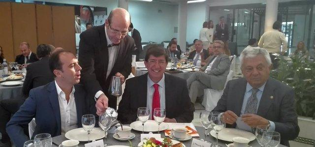 Juan Marín, antes de pronunciar la conferencia