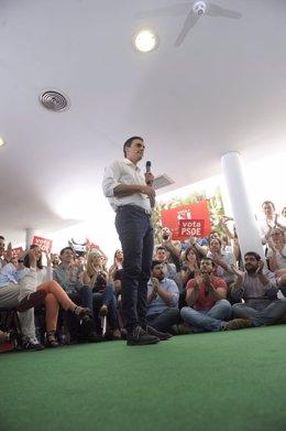 Pedro Sánchez en un acto en Fuenlabrada