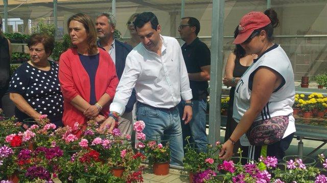 Moreno visita el Centro de Jardinería Terra Horti, de Aprosmo