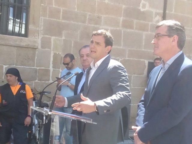 Albert Rivera en Avilés junto a Ignacio Prendes
