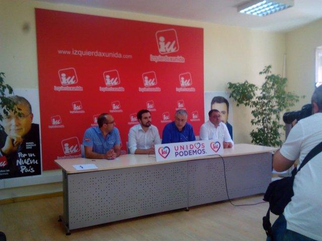 Alberto Garzón, segundo por la izquierda