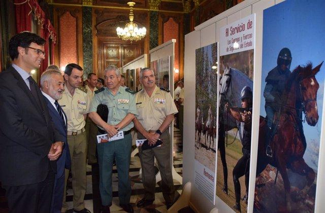 Inauguración de la exposición del Servicio de Cría Caballar.
