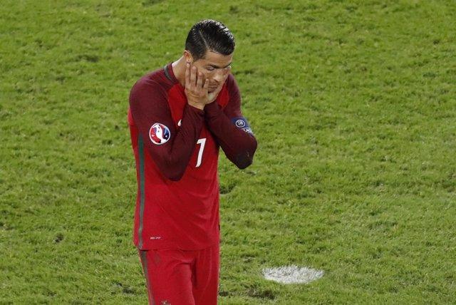 Cristiano falla un penalti y Portugal se complica