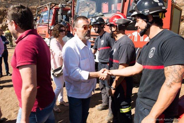 Visita del alcalde de Cartagena a la zona incendiada