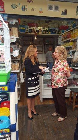 Ángeles Palmero visita el Mercado de La Laguna