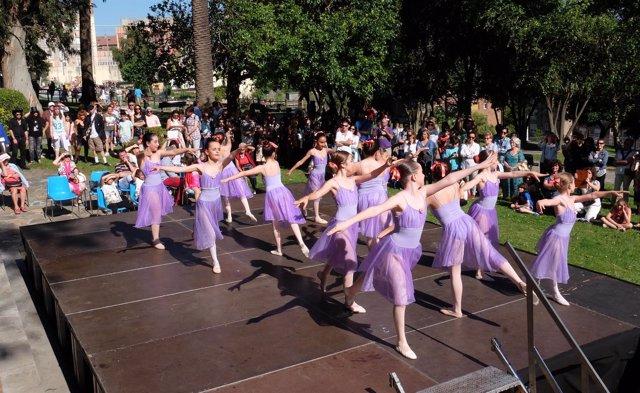 Actuación de danza en el Día de la Música
