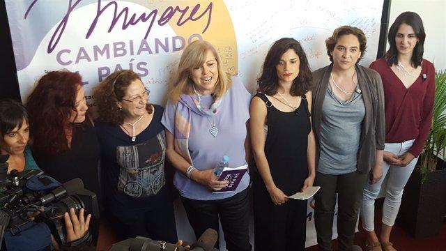 Ada Colau en un acto con mujeres en Madrid junto a Rita Maestre
