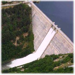 Imagen de archivo de la presa de Compuerto, en Palencia