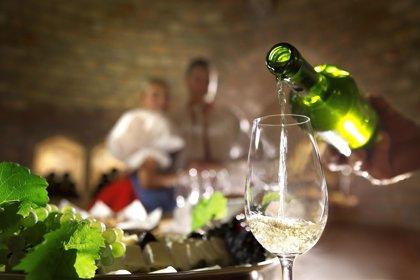 Las ventas de las exportaciones españolas de vino crecen un 4% hasta abril