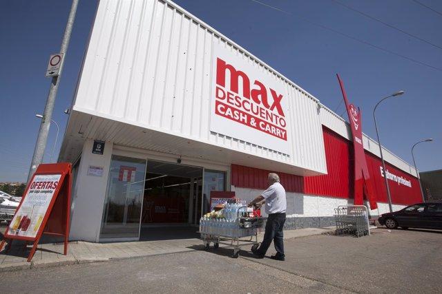 DIA presenta el nuevo modelo Max Descuento en Benavente