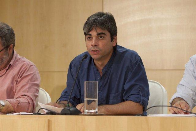 El concejal presidente de Centro Jorge García Castaño