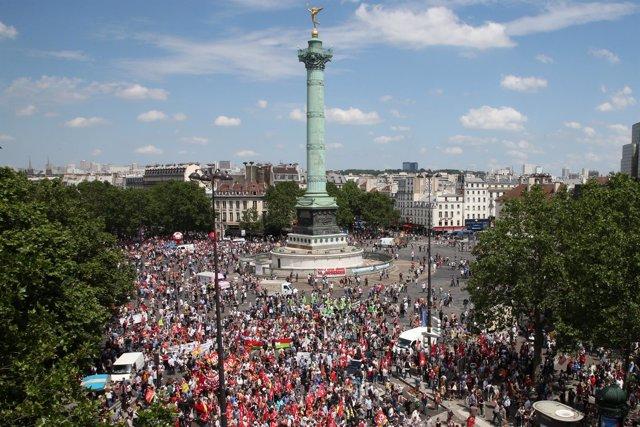 Protesta contra la reforma laboral en la Plaza de la Bastilla