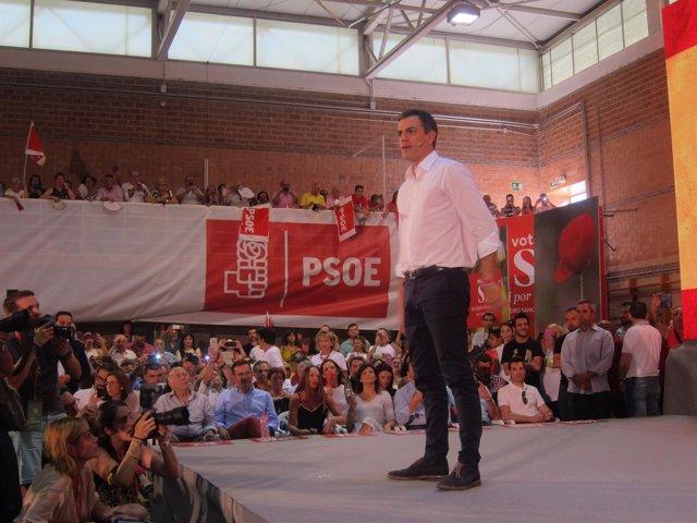 Pedro Sánchez en un mitin en Pabellón San Basilio en Murcia, elecciones 26J