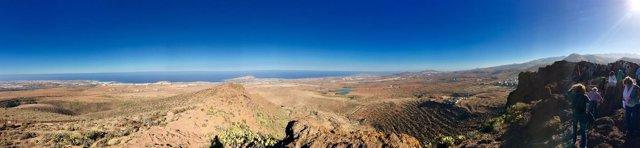 Vista privilegiada de Gran Canaria desde el yacimiento de Cuatro Puertas