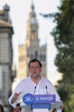 Mariano Rajoy en un acto en Sevilla