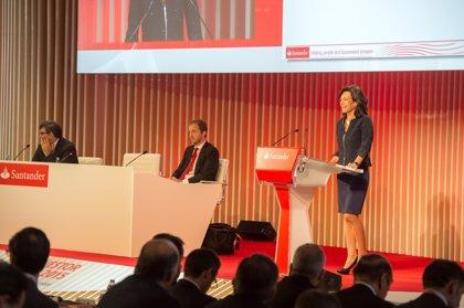 """Ana Botín garantiza el """"compromiso"""" del Santander con Reino Unido"""