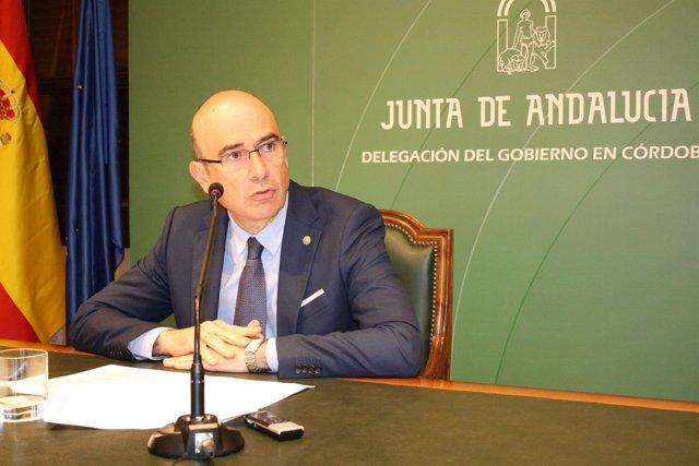 Manuel Carmona en una rueda de prensa
