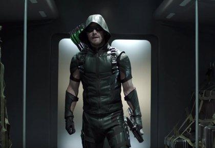 Arrow llevará un nuevo traje en la 5ª temporada